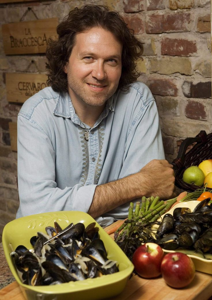 One of Canada's best-known chefs, Chef Michael Smith is an advocate for healthy home cooking. He is the host of Chef Michaels Kitchen, Chef Abroad, Chef at Home and Chef at Large!