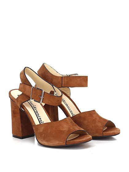 Fiori Francesi - Sandalo alto - Donna - Sandalo alto in camoscio con cinturino su collo piede e suola in cuoio. Tacco 105. - CUOIO - € 179.00
