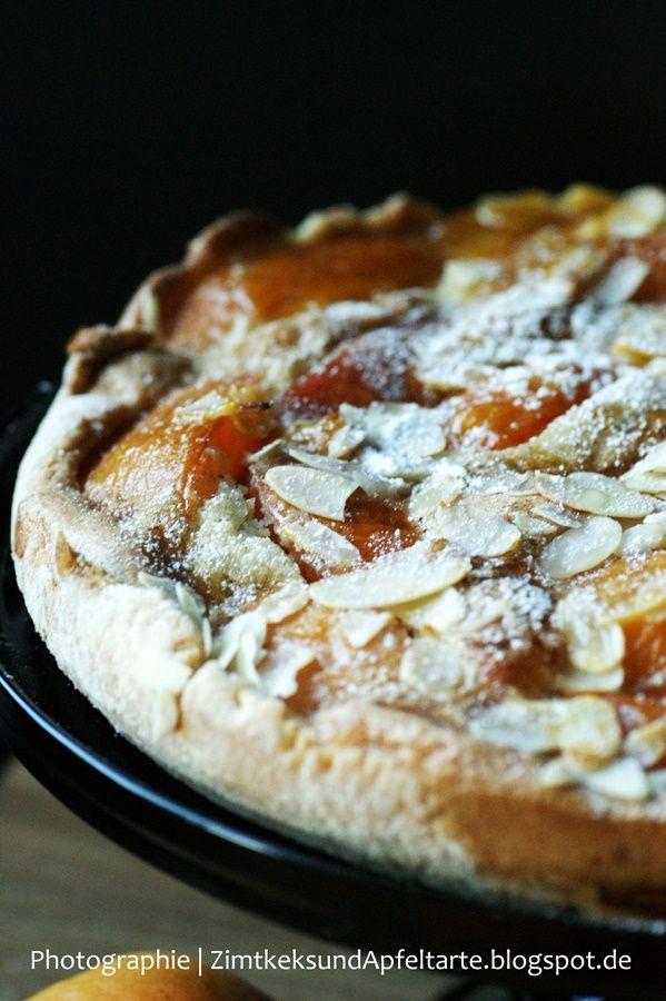 Aprikosen-Tarte mit Mandelguss