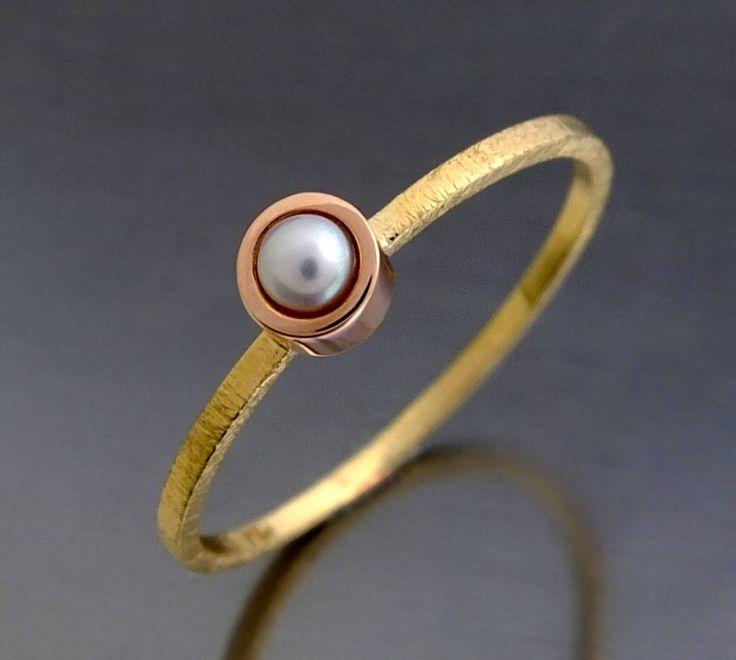 złoty pierścionek z perłą różowe złoto