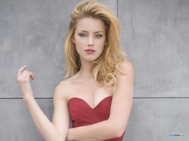 Elegantly ineffable excellence of Amber Heard Natty heat of passion... She interpreted Emma Jennings in Paranoia (2013)