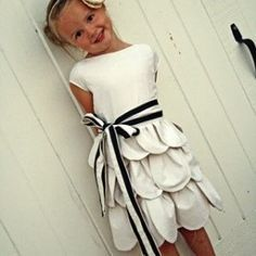 How to make this beautiful dress for little girl. Enjoy this tutorial !!