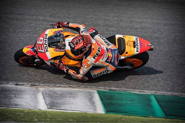 Marquez Just Broke The Circuit Record With A 1 46 439 The Pole Position Record Still Stands Of Iannone Of A 1 46 489 2015 Motogp Still Standing Marc Marquez