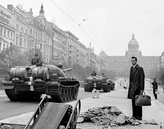 Josef Koudelka, Invasion Prague, 1968