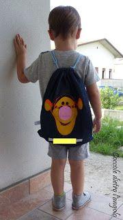 zainetto in jeans con applicazione in feltro (Tigro). Ideale per la scuola materna.