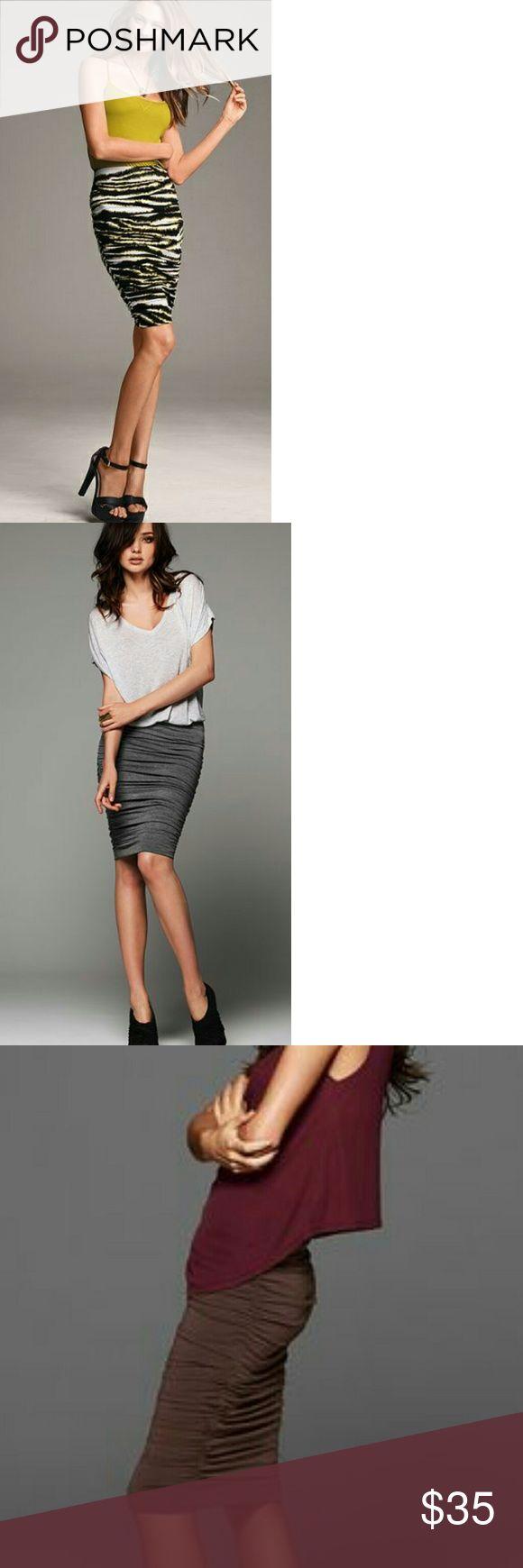 Fancy Victoria us Secret Ruched Stretchy Pencil Skirt L