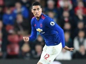 Team News: Chris Smalling starts, Sergio Romero keeps place for Manchester United's Europa final