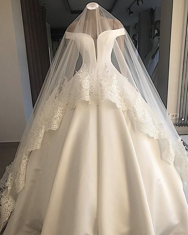 Strapless Floor-length Satin Wedding Dresses Ball Gown