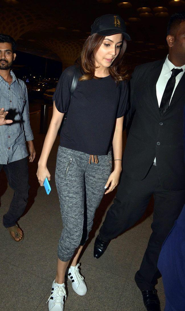 Anushka Sharma clicked at the Mumbai airport. #Bollywood #Fashion #Style #Beauty