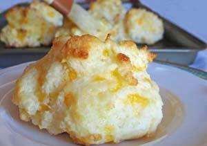 Cheddar Garlic Gluten Free Biscuits