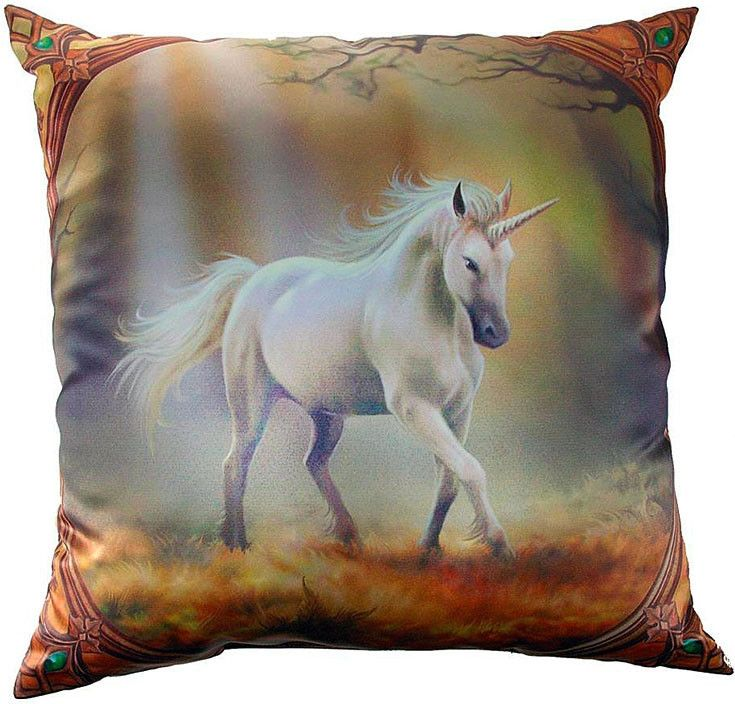Cojín Glimpse of a Unicorn #decoracion #unicornio #anne #stokes #fantasy #fantasia #magic #magia #deco #xtremonline