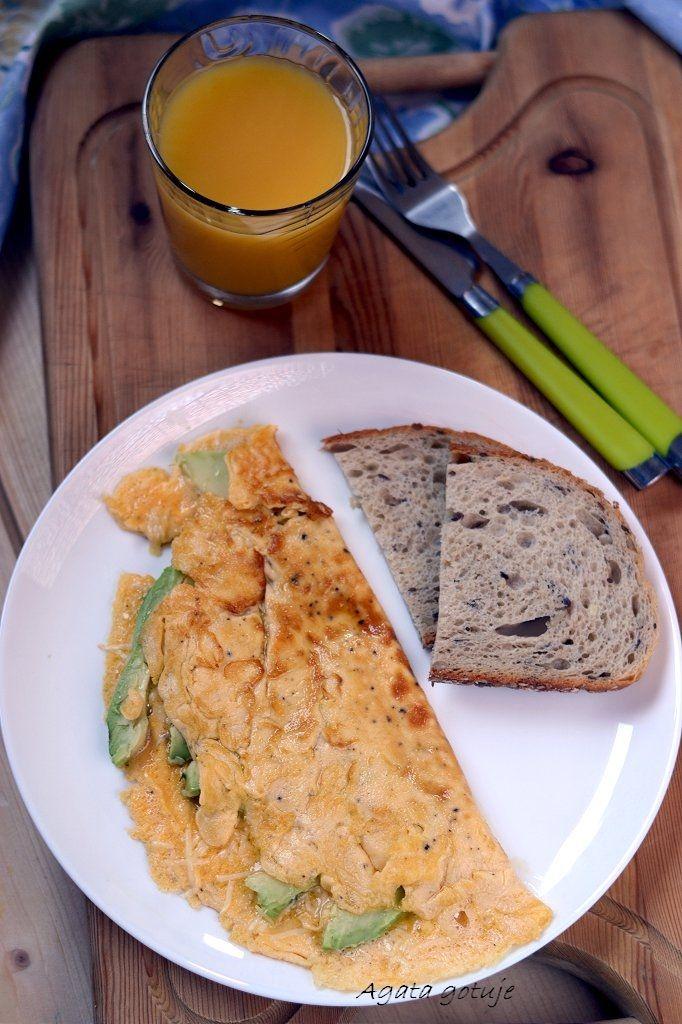 omlet-z-awokado-i-cheddarem-03-1024