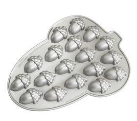 Acorn Cakelet Pan by Nordicware