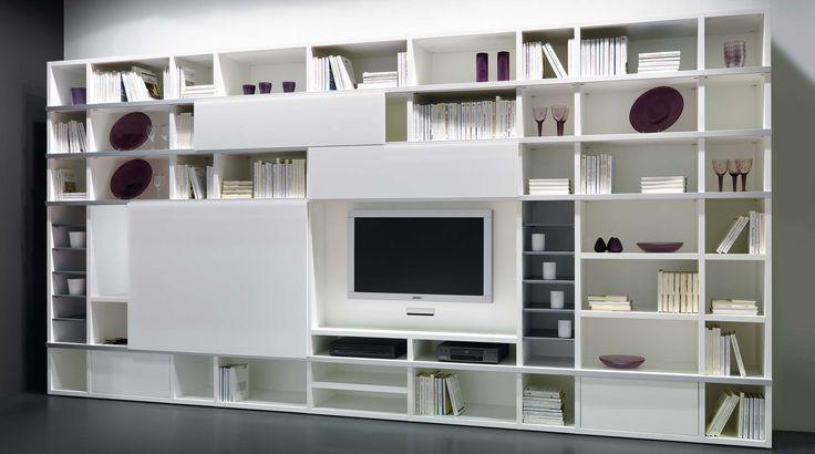 Libreria componibile laccata opaca con schienali, versatile e personalizzabile con ante, cassetti e spazio TV