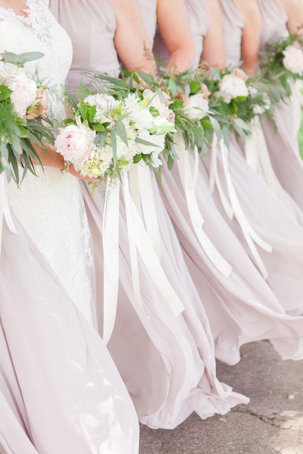 Simple A Soft u Romantic Spring Wedding in Illinois
