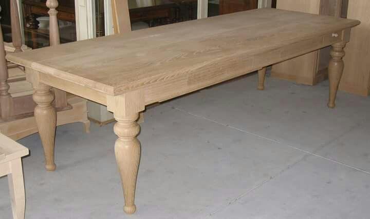 Tavolo in legno di rovere della tradizione con cassetto e porta mattarello