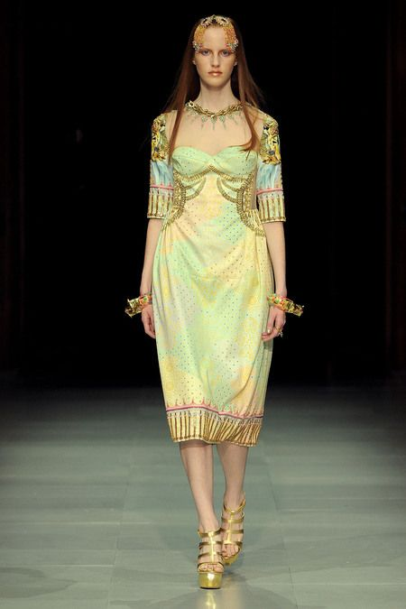 Manish Arora Spring 2013 Ready-to-Wear Collection Slideshow on Style.com. Notice necklace.