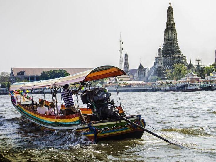 Эта экскурсия будет интересна как бывалым путешественникам, так и новичкам. Вы увидите столицу Таиланда без туристических декораций, прочувствуете колорит и настоящий дух города. Прокатитесь на длиннохвостой лодке...