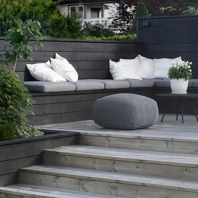Garden bench, decking - contemporary outdoor seating #gardenseating #tallonperryinteriors