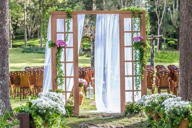 Decoração de casamento | Decor | Outside Wedding | Casamento no campo | Casamento de dia | Flores | Flowers | Inesquecível Casamento