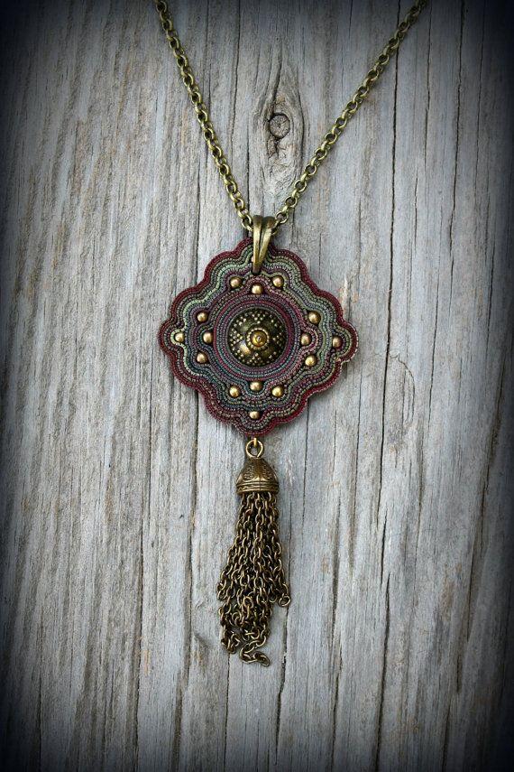 Arcilla Bohemia colgante Aztecas diseño collar tribal de tierra natural Wicca joyería espiritual metafísico declaración reina la princesa