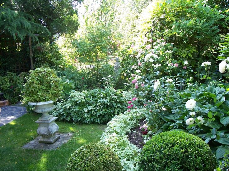 petit jardin de cur rose recherche google amenagement fond du jardin pinterest. Black Bedroom Furniture Sets. Home Design Ideas