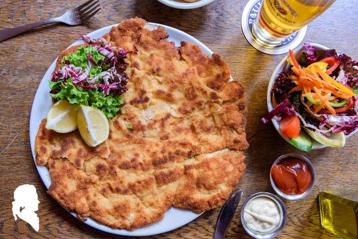 XXL Schnitzel - XXL Lecker    Mozart - Cafe - Restaurant - Cocktail Bar   www.cafe-mozart.info #Cafe #Mozart #Restaurant #Cocktail #Bar #Muenchen #Fruehstueck #Kuchen #Mittagsmenu #Lunch #Sendlingertor #Placetobe #Kaffee