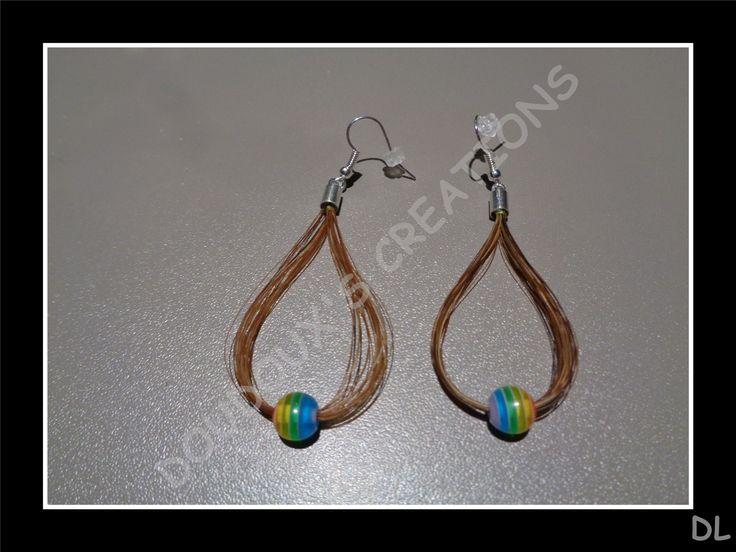 Boucles d'oreilles en véritables crins de cheval, avec perles, embouts et crochets plaqué argent : Boucles d'oreille par doudoux-crins