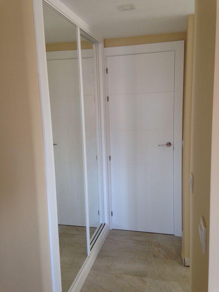 Frente de armario corredera perfiles lacados y luna for Puertas correderas