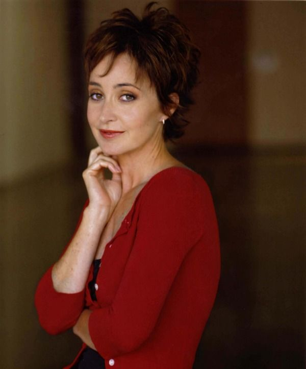 Annie Potts--she's from Kentucky!  Her grandparents live in Franklin.
