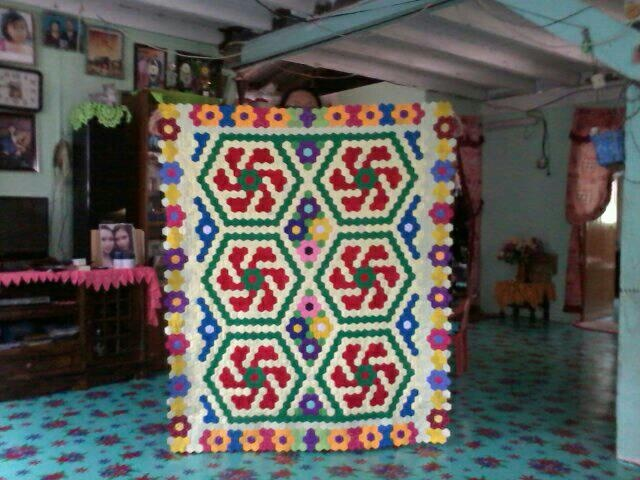 Pua Tampal Seribu My Hexagon Quilt Pinterest English Paper Piecing Quilts And