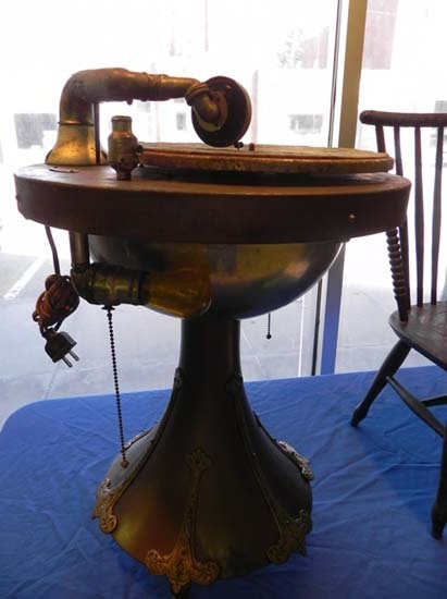 47 Best Images About Phonographs And Stuff On Pinterest Horns Radios And Antiques