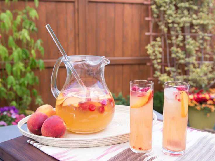 1000 Ideas About White Peach Sangria On Pinterest Sangria Sangria Recipes And Peaches