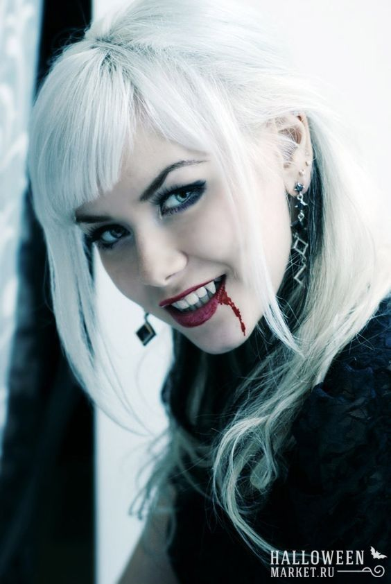 #vampire #halloweenmarket #halloween  #вампир #костюм #образ #сексуальный Красивая девушка вампир - сексуальная вампирша на хэллоуин (фото) Ещё фото http://halloweenmarket.ru/%d0%ba%d1%80%d0%b0%d1%81%d0%b8%d0%b2%d0%b0%d1%8f-%d0%b4%d0%b5%d0%b2%d1%83%d1%88%d0%ba%d0%b0-%d0%b2%d0%b0%d0%bc%d0%bf%d0%b8%d1%80-%d1%81%d0%b5%d0%ba%d1%81%d1%83%d0%b0%d0%bb%d1%8c%d0%bd%d0%b0%d1%8f/