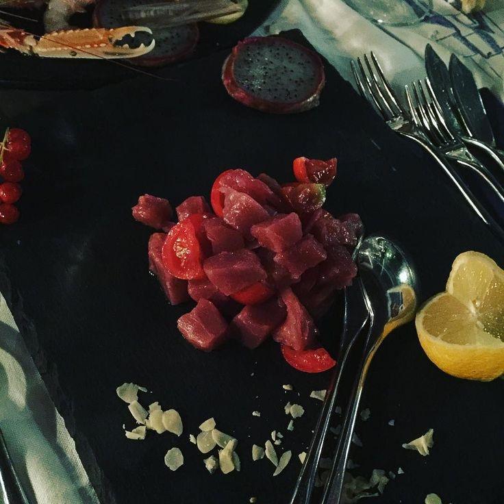 Iniziamo i festeggiamenti del mio compleanno molto felice!!!! . . . #TastingWine #Wineo #Wine #WineAndDine #Vinostagram #Cibo #CiboSano #CiboItaliano #Fooddiary #FoodJournal #MyFoodPorn #FillingFood #Foody #Foodinsta #Foodism #Foodgram #Foodshot #BloggerItalia #Bloglovin #BloggerGirl #FoodBloggerItaliani #FoodBlogging #Foodblogfeed