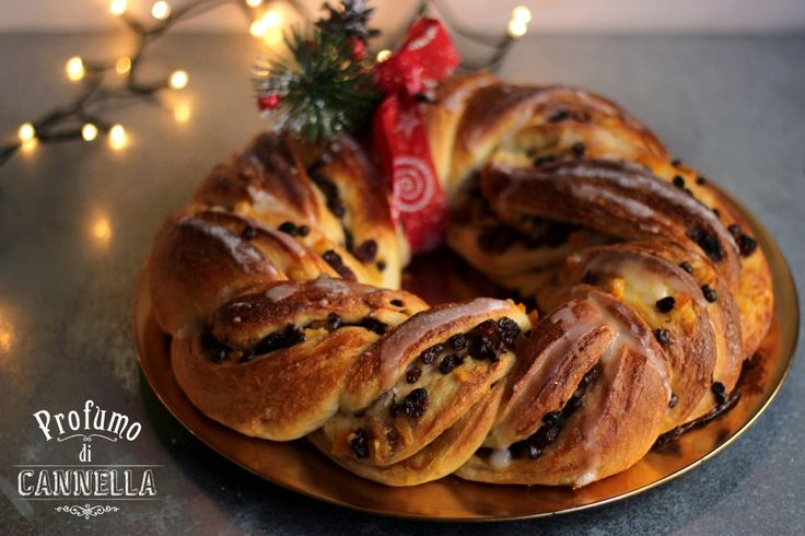 Ghirlanda di pane dolce – profumo di Natale