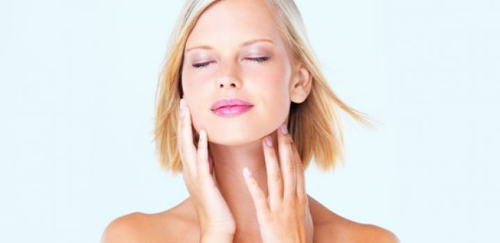 HOW TO KEEP YOUR FACE FROM GETTING OILY? 8 EFFECTIVE BEAUTY TIPS FOR OILY SKIN, how to keep your face from getting oily, beauty tips, oily skin, natural beauty tips, beauty tips for oily skin, moisturiser for oily skin, primer for oily skin, how to reduce oily skin, tips for oily skin, tips for oily skin, homemade beauty tips, beauty tips for face, treatment for oily skin, get rid of oily skin