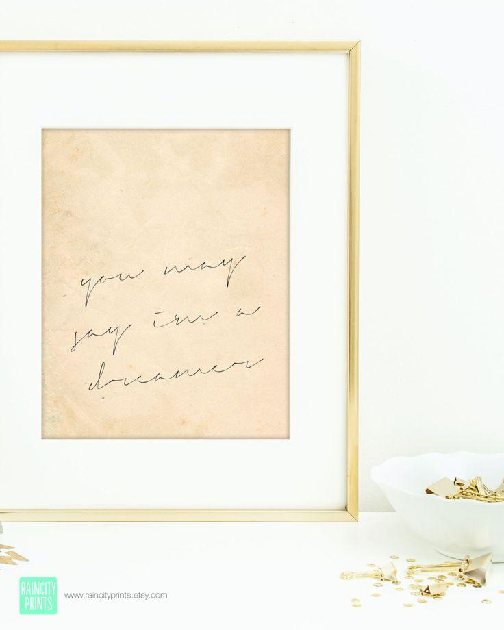 John Lennon inspiration Art Print. Impression typographique. « Vous pouvez dire je suis un rêveur » John Lennon Imagine paroles. Mur d'Art moderne. Décor de dortoir. par raincityprints sur Etsy https://www.etsy.com/fr/listing/201424581/john-lennon-inspiration-art-print