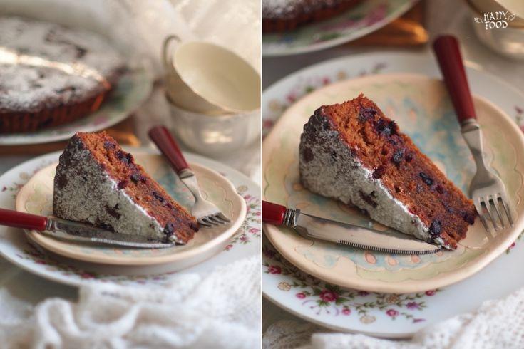 Этот кекс очень нежный, чуть влажный, с легкой кислинкой смородины, ароматом ромовой выпечки и сладостью молочного шоколада - идеален для завтрака или посиделки с…