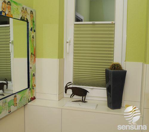 Tolle badezimmer deko dazu passend ein grünes plissee von sensuna