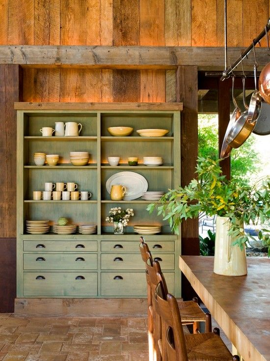Lovely country kitchen, how divine is that cupboard?!