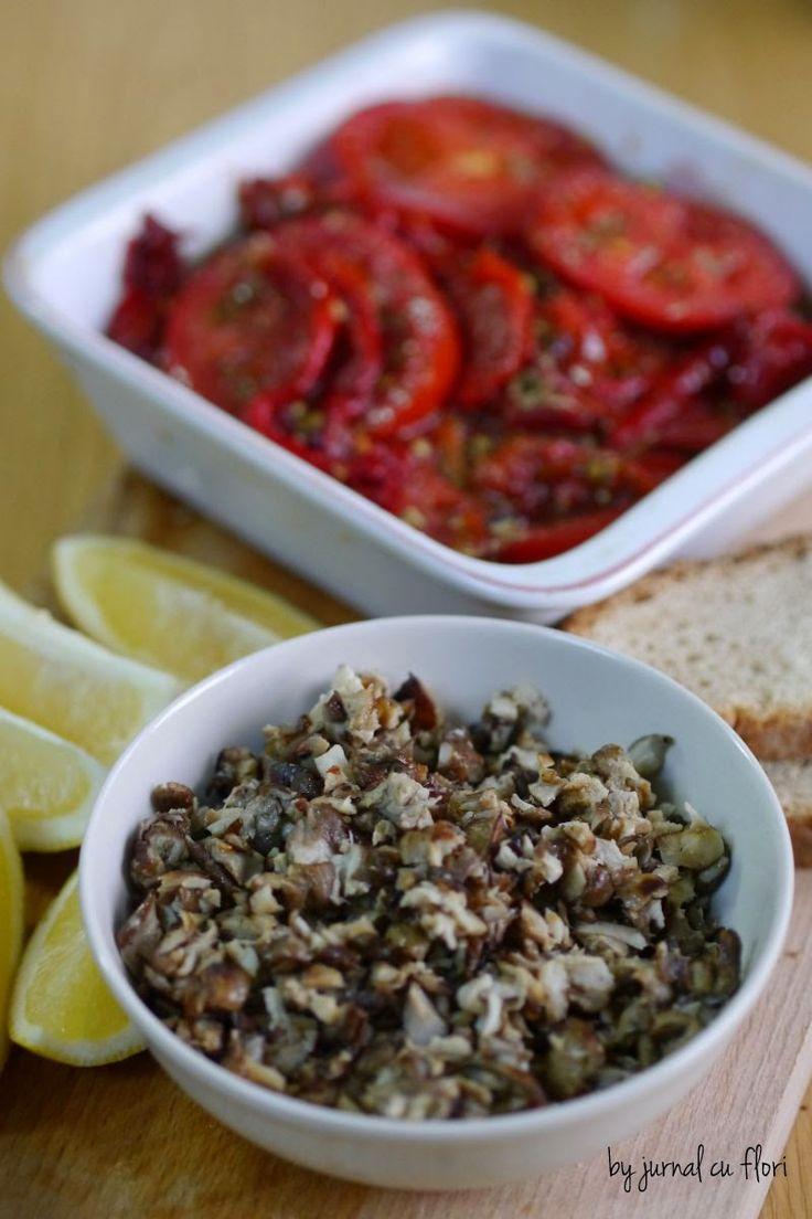 caviar de ciuperci de post si salata portugheza cu rosii si ardei copti
