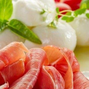 Talijanska kuhinja sa svojom raznolikošću i bogatstvom okusa široko je poznata kao jedna od najboljih kuhinja na svijetu. Najvažnije je povrće, kojega Talijani najradije kuhaju na pari.