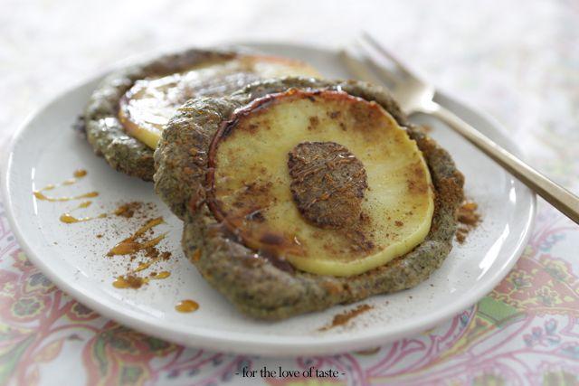 apple - flapjacks by for the love of taste  guilty free mouth watering breakfast  http://fortheloveoftaste.wordpress.com/2013/11/22/apple-flaxjacks/
