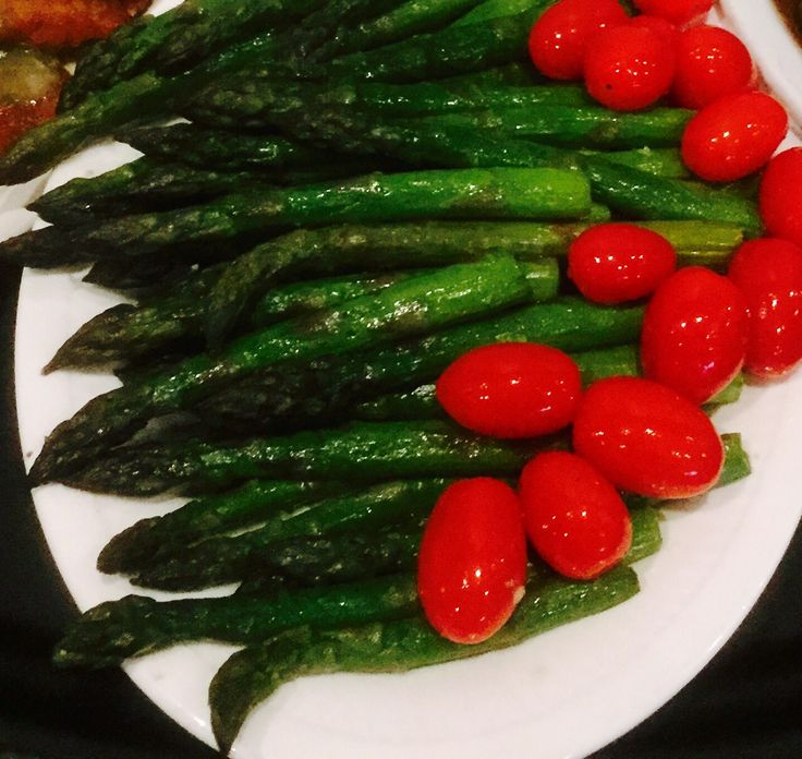 ENHANCEMENT: Garlic Broiled Asparagus and Grape Tomatoes