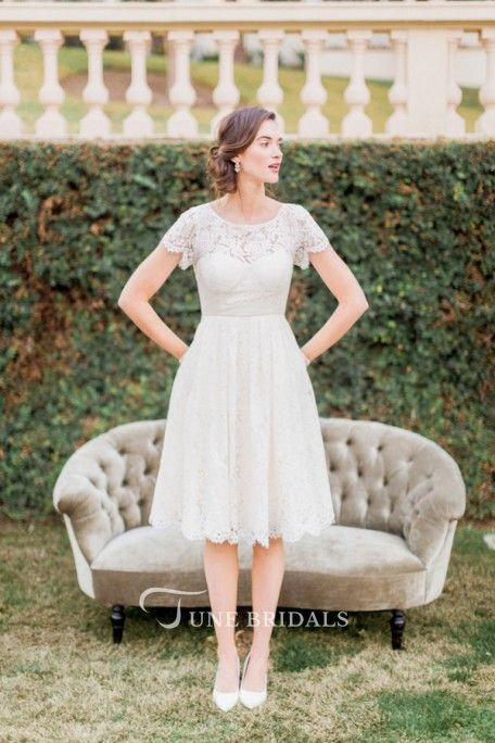 A-Line Short-Sleeve Scoop-Neck Short Lace Wedding Dress With Keyhole – Aryn House