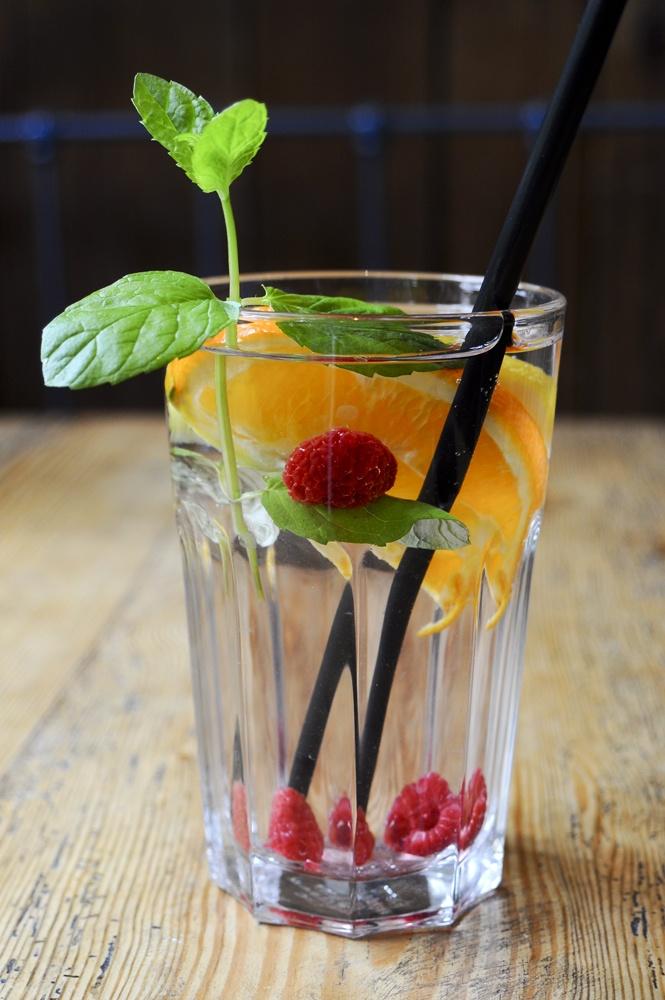 Owocowe orzeźwienie #water #fruits #fresh
