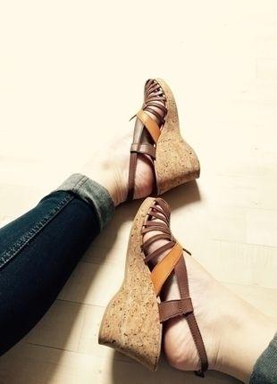 Kupuj mé předměty na #vinted http://www.vinted.cz/damske-boty/platformy/11432892-letni-krasne-sandalky-na-korkove-platforme