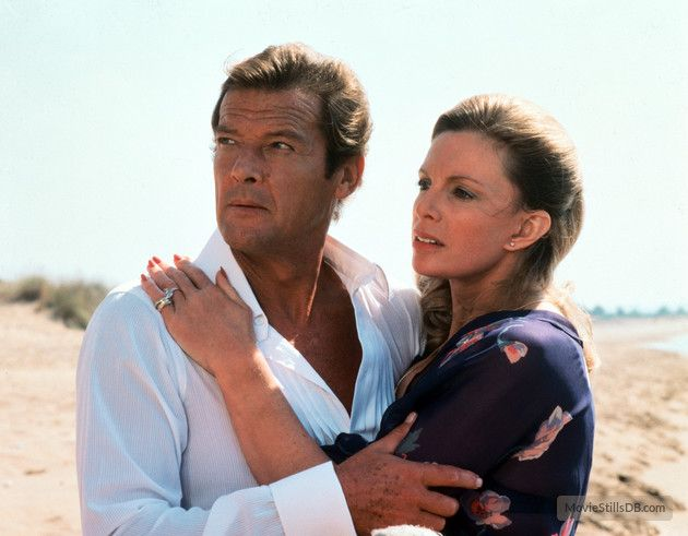 For Your Eyes Only - Publicity still of Roger Moore & Cassandra Harris