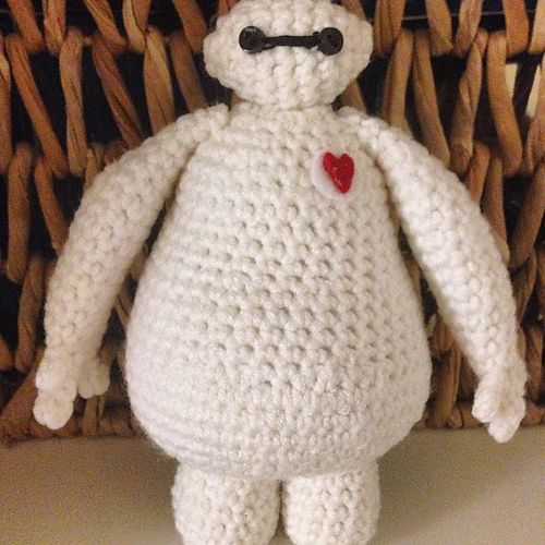 """Baymax from Big hero 6 (Finished size is about 9 inches tall) - Free Amigurumi Pattern - PDF Format - Click to """"download"""" here: http://www.ravelry.com/patterns/library/baymax-2"""
